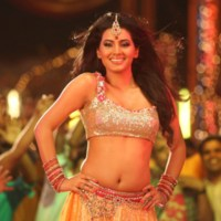 Geeta Basra item song video 'Ghaziabad Ki Rani'