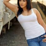 Jism 2 Sunny Leone Unseen Photos 3-4