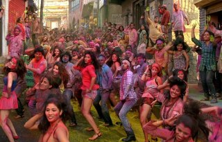 Balam Pichkari Video Song from Yeh Jawaani Hai Deewani