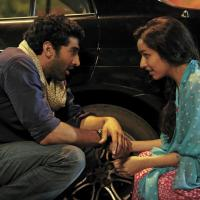 Chahoon Main Ya Na Video Song from Aashiqui 2