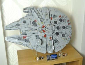 Wicked Brick Review Display Stand for 75192 Millennium Falcon