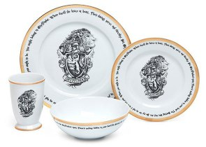 Its Harry Pottery With New Dinner Set