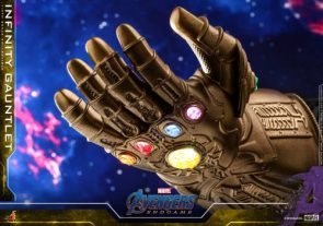 Avengers: Endgame – 1/4 Scale Infinity Gauntlet Collectible by Hot Toys – The Toyark – News