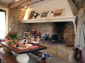 st-remy-kitchen-and-fireplace_4949516648_o