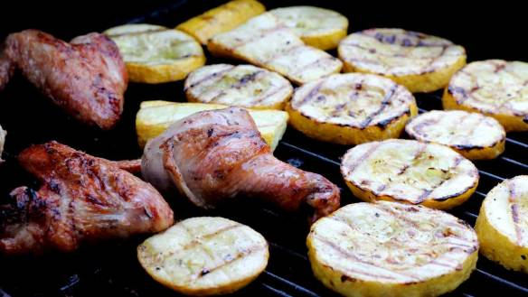 Chicken_and_yellow_squash_grilled