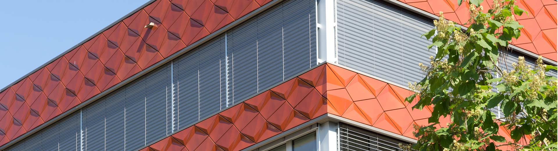 Dreidimensionale Keramikformen für Fassaden