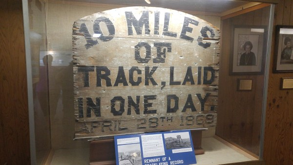 10 Miles of Track laid in one day - Golden Spike