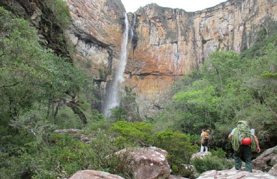 Nereida Rezende - Escalada na Cachoeira do Tabuleiro
