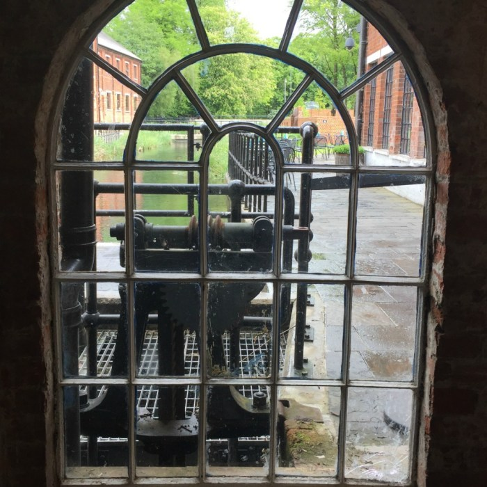 Window Wednesday -- Bombay Sapphire