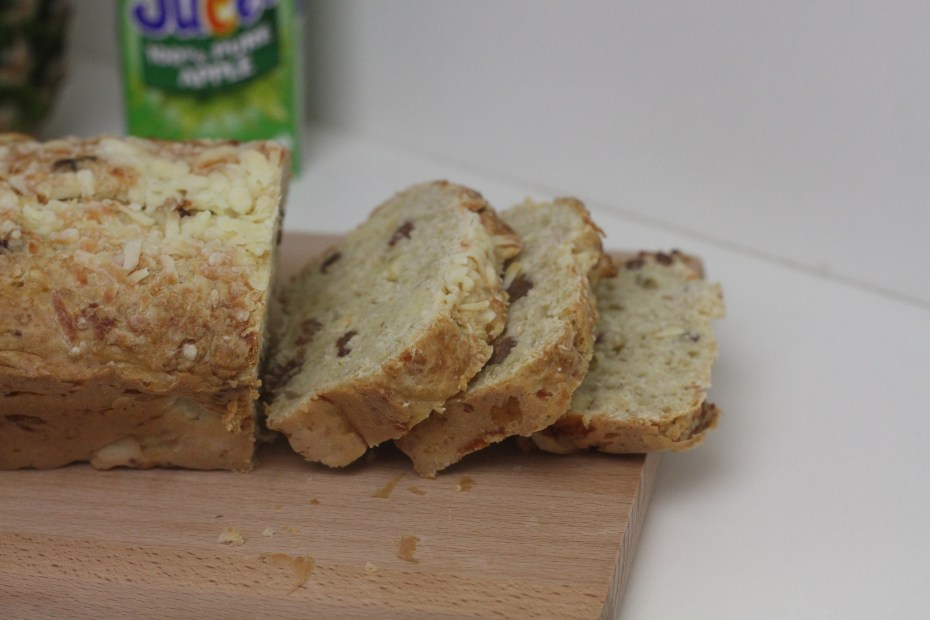 Pineapple and Cheese Oaty Bread