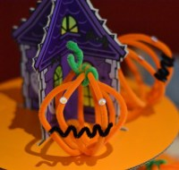 Halloween crafts - Pipe Cleaner Pumpkin