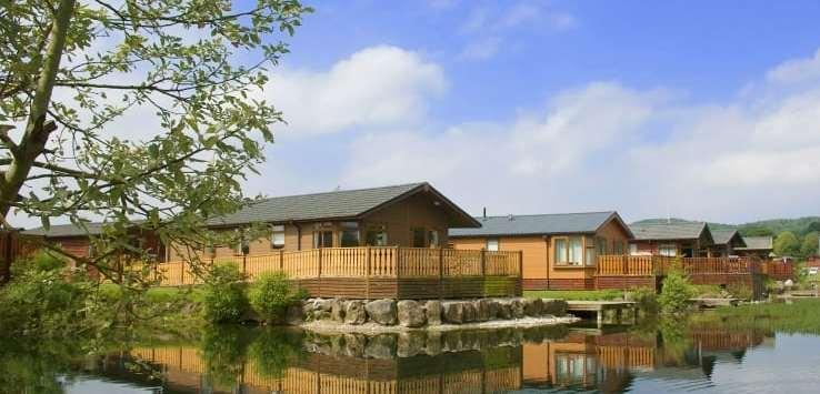 sllv-lodge-on-lake-side