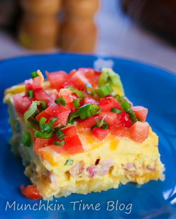 Must Try Hashbrown Ham and Cheese Breakfast Casserole by Munchkintime-- - www.munchkintime.com #breakfastcasserole #brunchrecipe