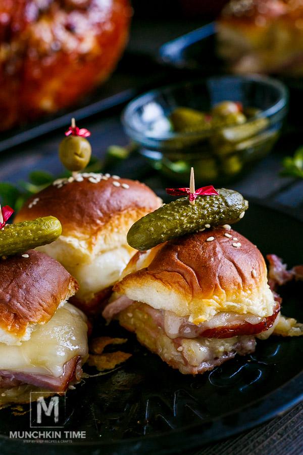6 Ingredient Hawaiian Ham And Cheese Sliders Recipe