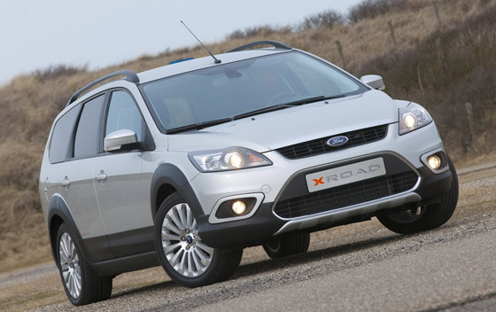 ford-focus-x-road-01