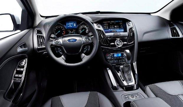 Ford-Focus-2011-03