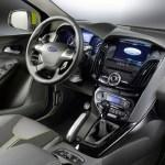 Ford Focus Wagon 2011 03