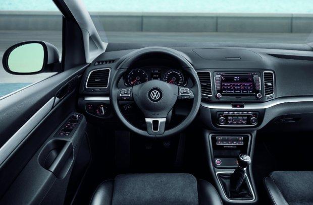 Volkswagen-Sharan-2010-3