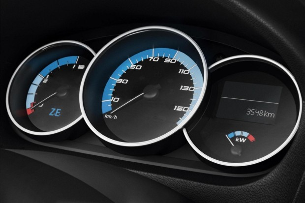 Renault-Fluence-Z.E-03