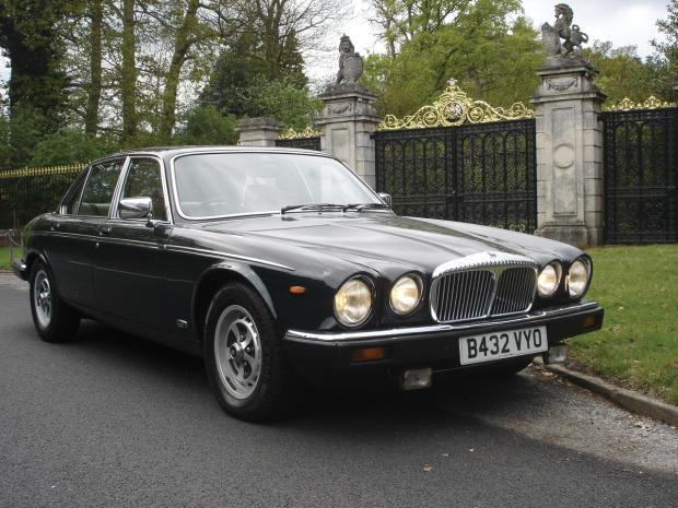 Daimler 1984 de la reina Isabel II b