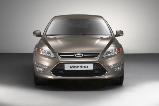 Ford-Mondeo-2011-04