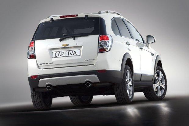 Chevrolet-Captiva-2011-03