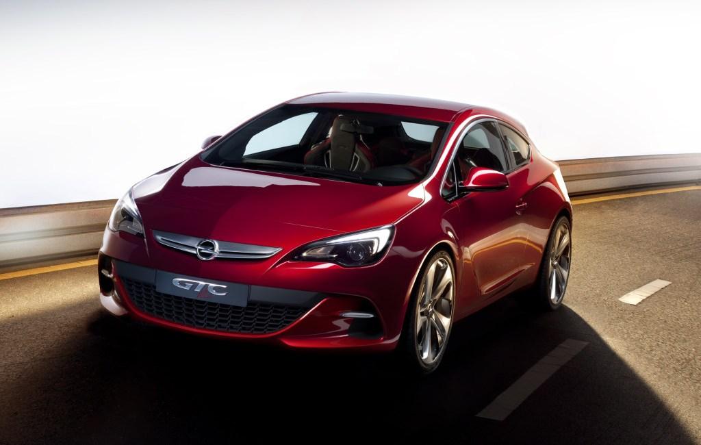 2010 Opel Astra GTC photo - 3