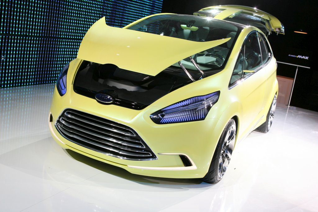 2010 Ford iosis MAX Concept photo - 1