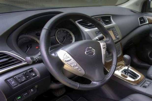 Nissan Sentra 2013 03b