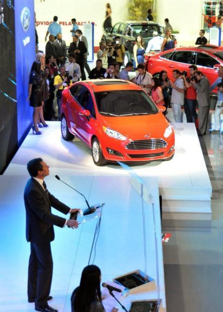 ford-fiesta-sedan-2013-5