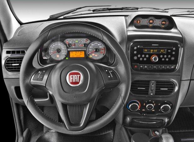 Fiat-Strada-2012-3