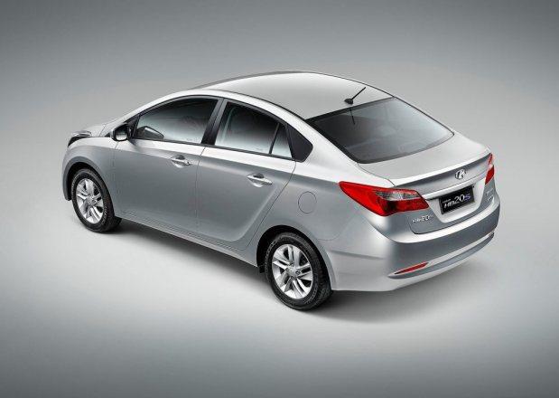 Hyundai-HB20S_2013_3