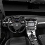 Volkswagen-Golf_VII_2013_5