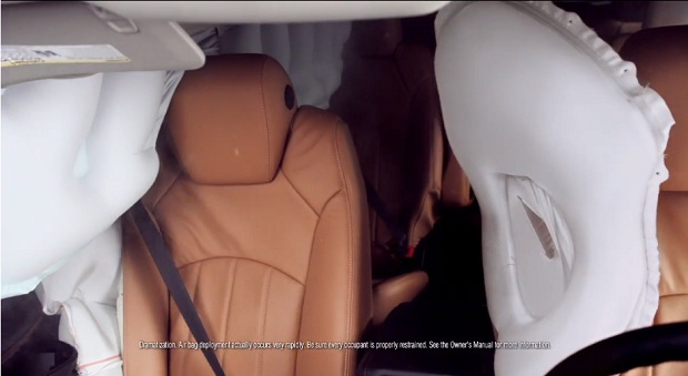 chevrolet-traverse-central-airbag