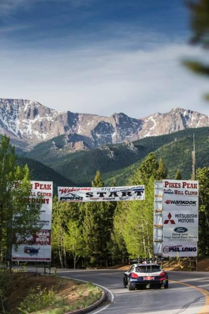 Primer-entrenamiento-de-Sebastien-Loeb-en-el-Pikes-Peak-4