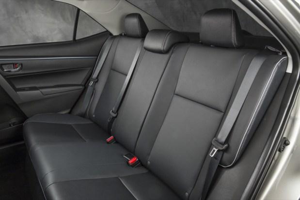 Toyota-Corolla-32-2014