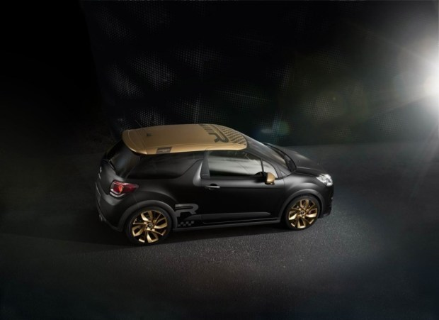 Citroen-DS3-Racing-Gold-Mat-3