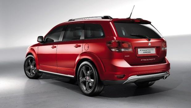 Fiat-Freemont-Cross-2