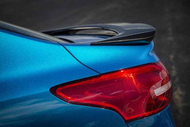 ford-focus-sedan-2015-9