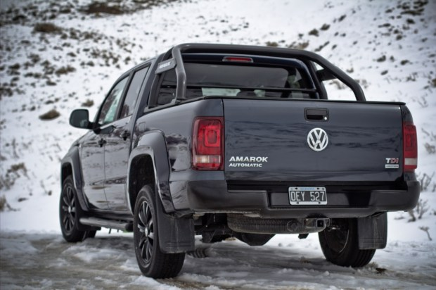 Volkswagen-Amarok-Dark-Label-4
