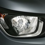 Chevrolet Essentia Head Lamp