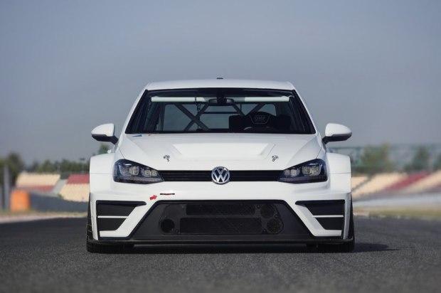 volkswagen-golf-gti-tcr-0