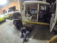 Desmontando a cabine dupla na Latarias Alquini