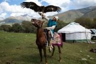 Caçadores com águias-reais