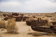 Mais barcos encalhados no deserto