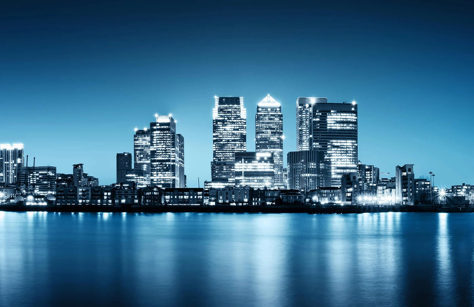 Car Black And Green Wallpaper Canary Wharf Skyline Wallpaper Wall Mural
