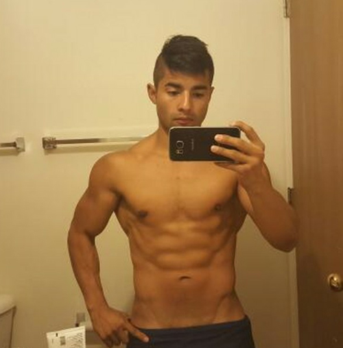 Instagrammer Gets A Shredded Six-Pack