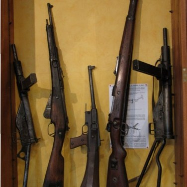 Fusils de guerre et pistolets mitrailleurs de la seconde guerre mondiale