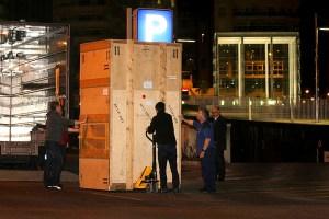 Pompidou-unload-03