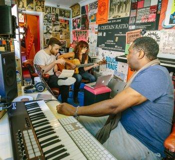 songwriters retreat pro7ect hotel pelirocco